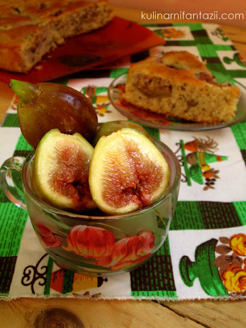 Сладкиш със смокини и орехи