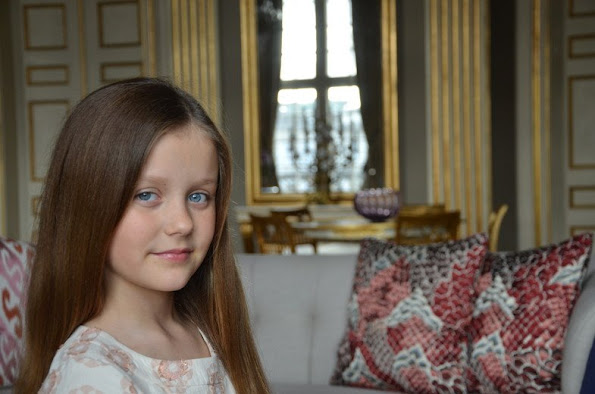 Princess Isabella of Denmark celebrates today her 9th birthday! On this occasion new pictures have been published by the Danish Monarchy website
