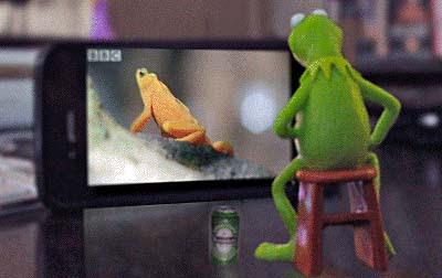 Fernsehen mit Bier lustig