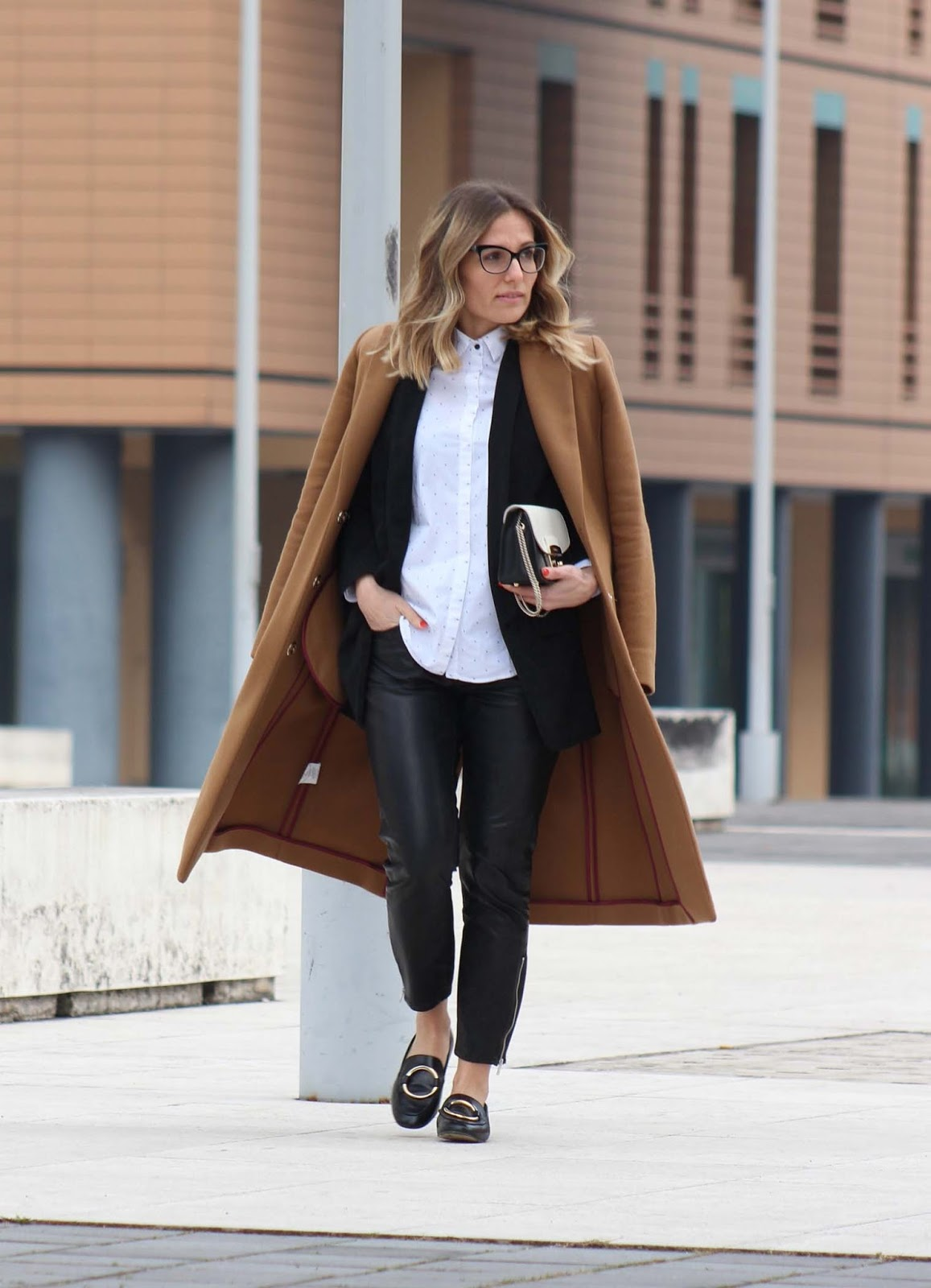 Return to basic - camel coat