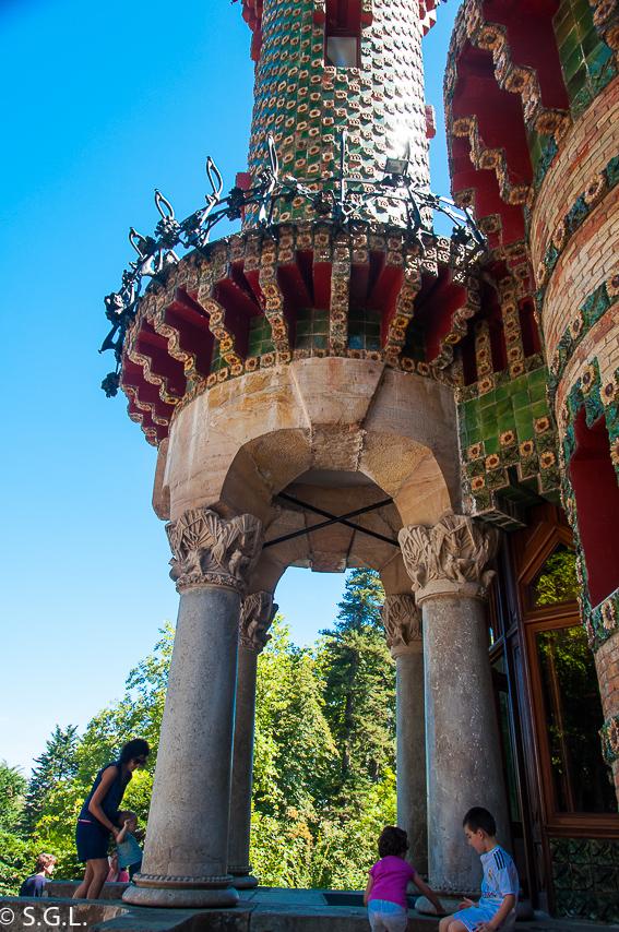 Portico entrada Capricho de Gaudi. Comillas