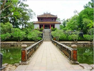 สุสานจักรพรรดิมินห์มาง (Tomb of Minh Mang)