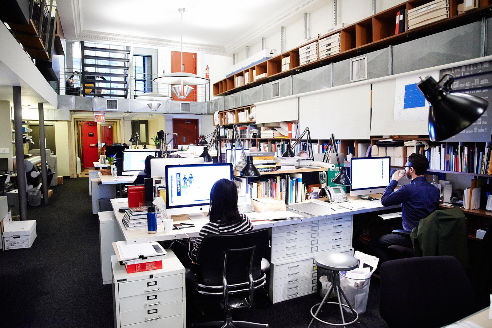 7 lapangan pekerjaan menarik buat desainer grafis bitebrands for Interior design employment agency