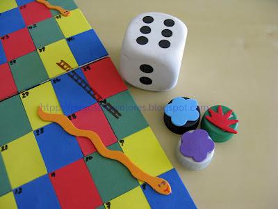 Pegostes y colores juego de serpientes y escaleras con foamy for Escaleras y serpientes imprimir