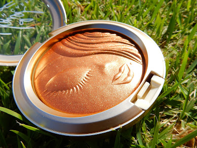 M.A.C x Mariah Carey Extra Dimension Skinfinish 'My Mimi' - www.modenmakeup.com