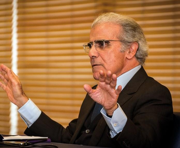 """رئيس حزب سابق ومدير سابق للهولدينغ الملكي مرشحان لقيادة """"بنك المغرب"""""""