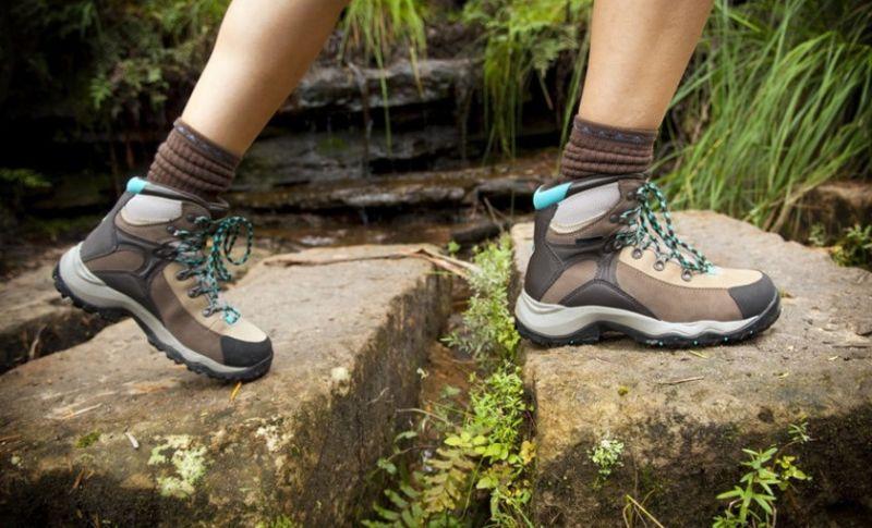 Tips Memilih Sepatu yang Nyaman Untuk Travelling