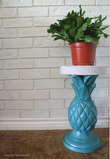 Pineapple table with DIY concrete top