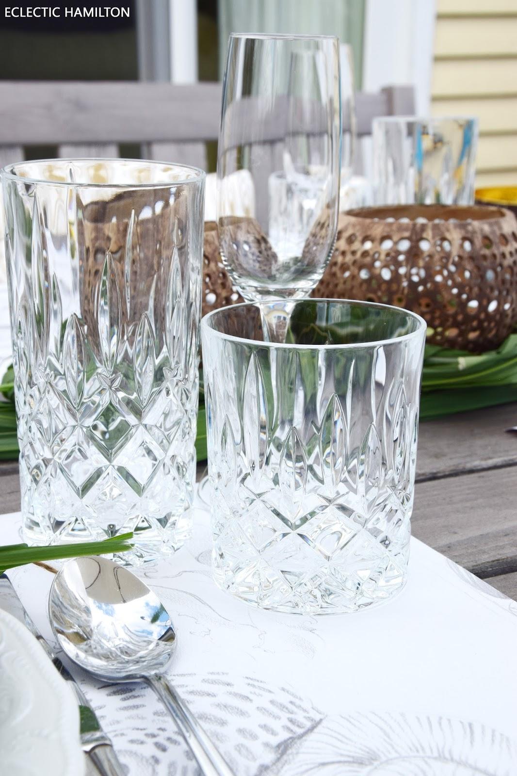 Schwebende Tassen Und Gläser Ostseesuche Com