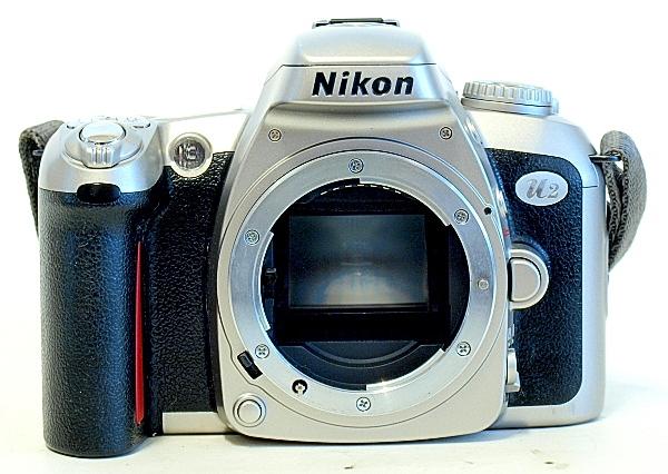 Nikon U2, Front