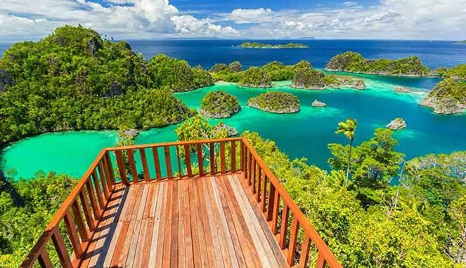 1. Bukit Pianemo, Papua