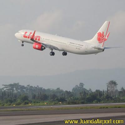 Surabaya Hujan & Angin Kencang, Penerbangan di Bandara Juanda Masih Aman