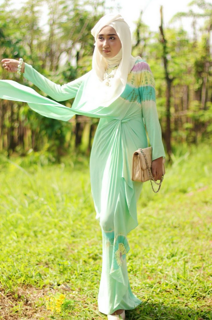 Dress Muslim Terbaru Karya Dian Pelangi