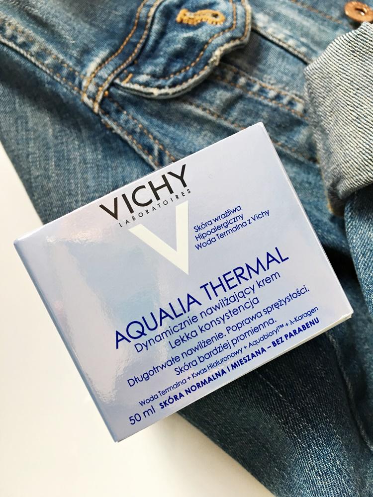 dynamicznie nawilżający krem Vichy Aqualia Thermal  lekka konsystencja do skóry mieszanej