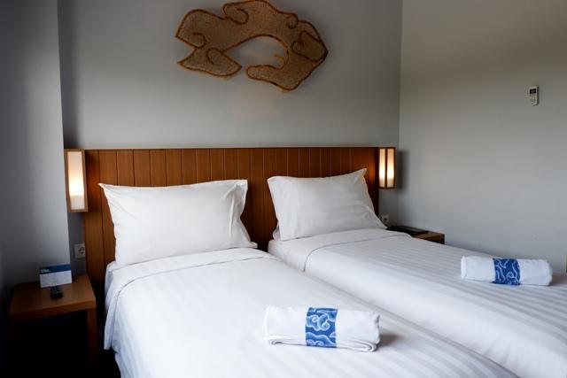 superior room batiqa hotel cirebon