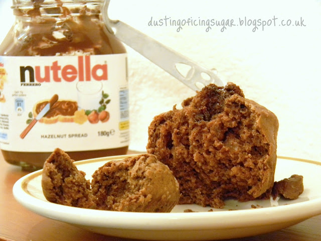 Nutella choc cupcakes - dustingoficingsugar.blogspot.co.uk