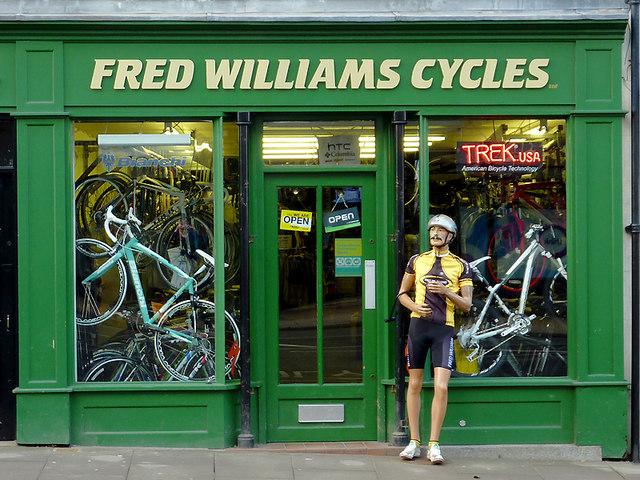 海外のサイクルショップ(FRED WILLIAMS CYCLES)