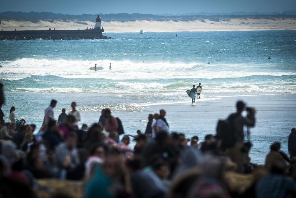 3 Crowd quiksilver pro france 2016 foto WSL Poullenot Aquashot