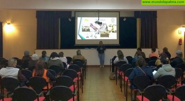 El Cabildo se acerca a la problemática del sector artesanal de La Palma