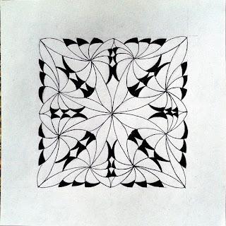 New zentangle pattern 4-Corner Corolla - progressive step 1