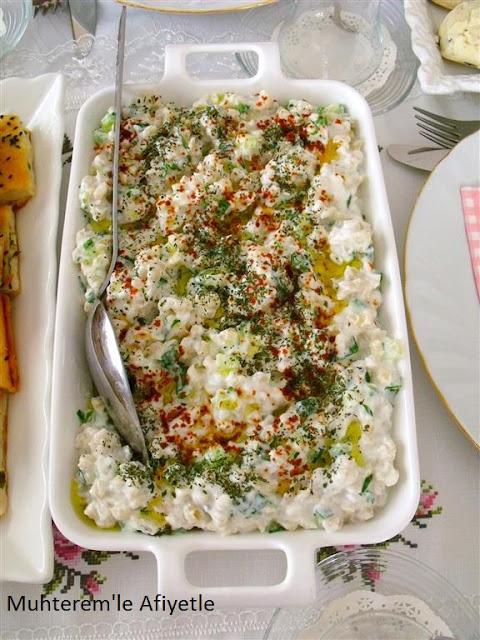 çay masası için yoğurtlu salata tarifi
