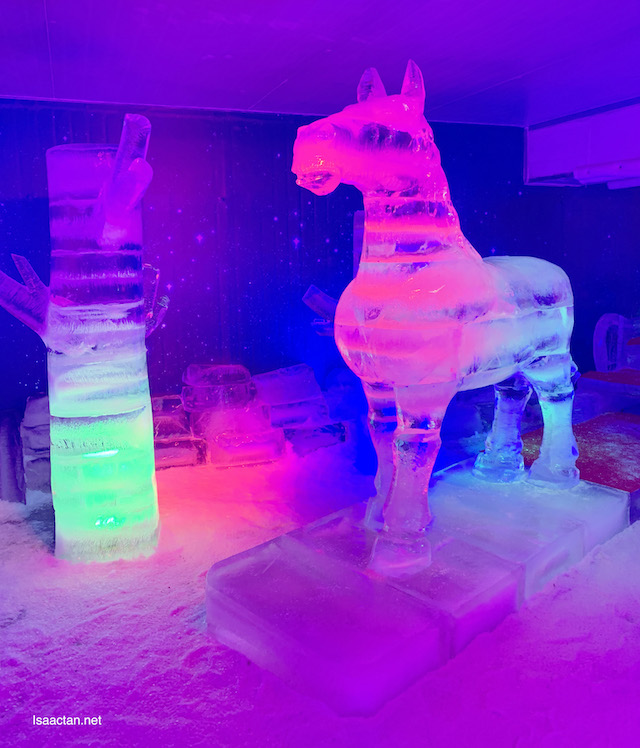 More ice sculptures, in cool lightings