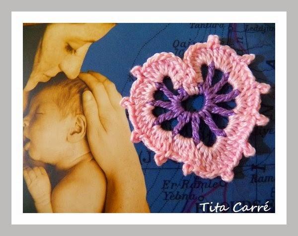 Coração de Mãe em Crochet com Drummond no Dia das Mães