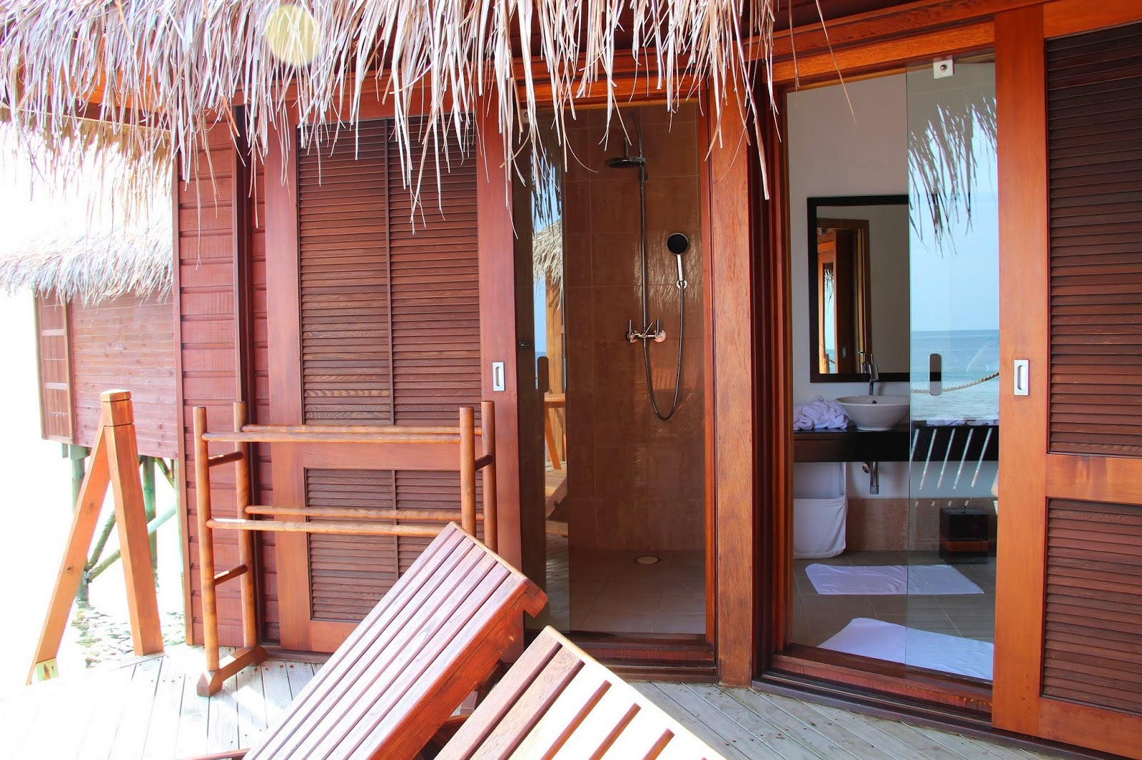 Accommodation Mirihi Island Resort Maldives