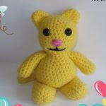 http://www.craftsy.com/pattern/crocheting/toy/simple-yellow-kitty/157242?rceId=1445282792823~efuj9ksq