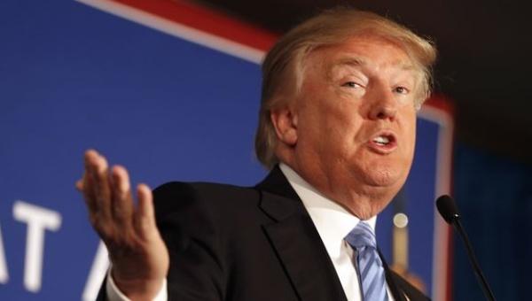 Unos 70 republicanos piden cortar la financiación a Trump