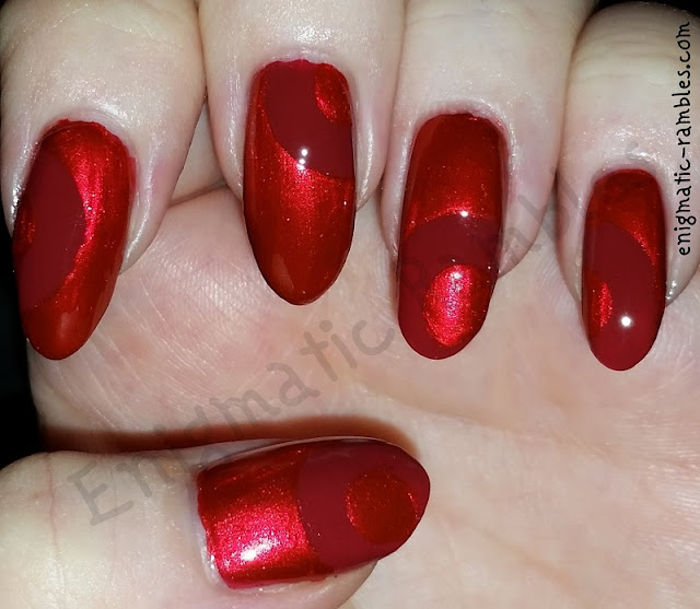 red-circle-nails-nail-art-paper-hole-reinforcers
