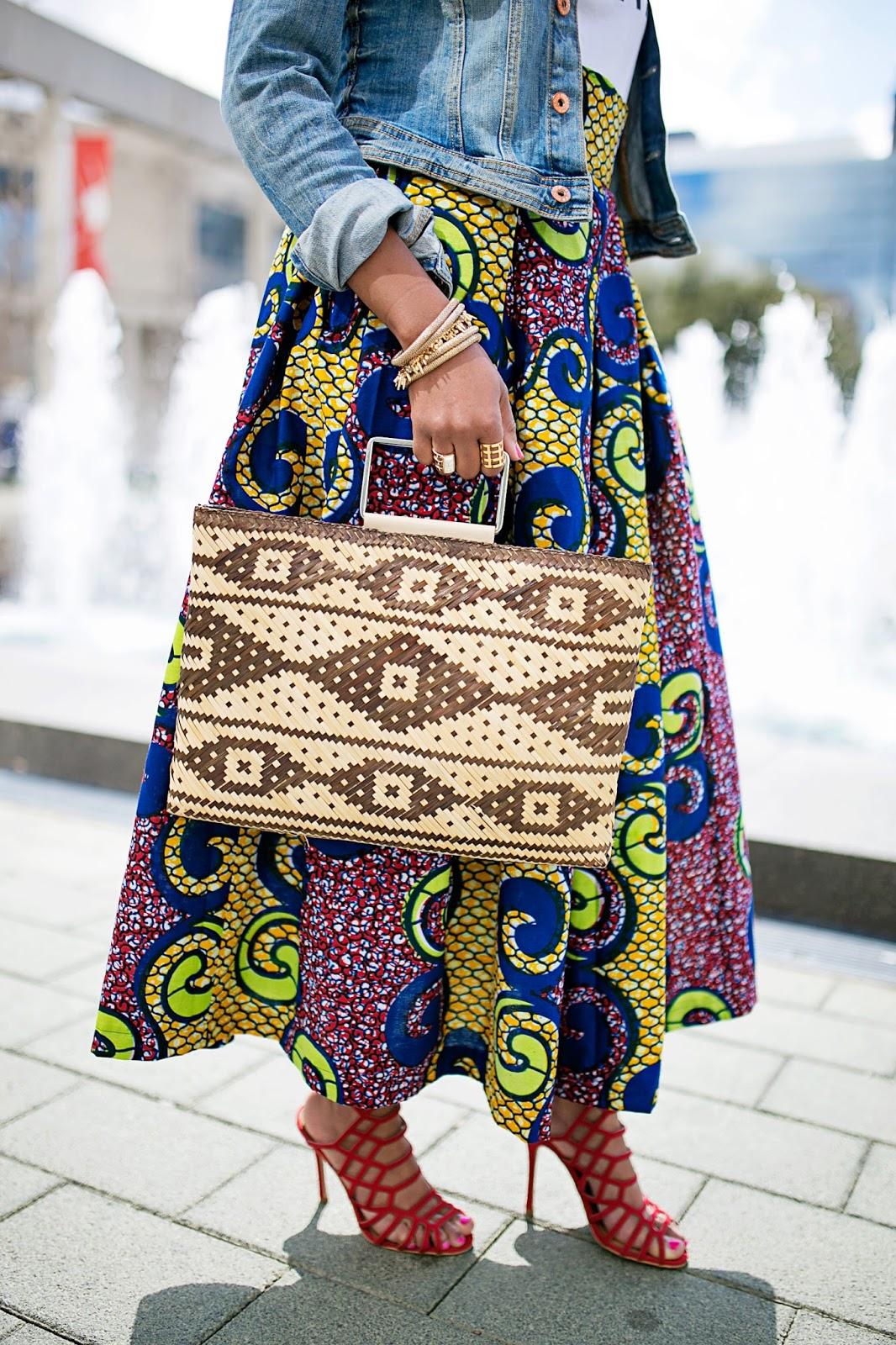 how to wear midi skirt - how to wear bold prints - Ankara print midi skirt - Steve Madden Slithur in Red- haute mama t shirt- banana republic straw handbag- fashion blogger- dallas blogger- CAS Clothing- black girl blogger