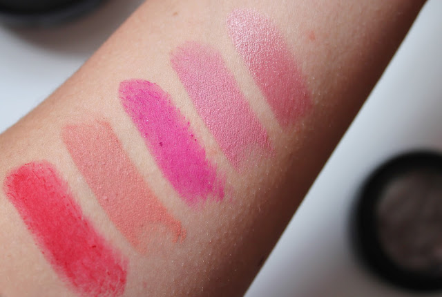 MAC Lipstick Swatches : Ruby Woo, Kinda Sexy, Flat Out Fabulous, Pink Plaid, Syrup
