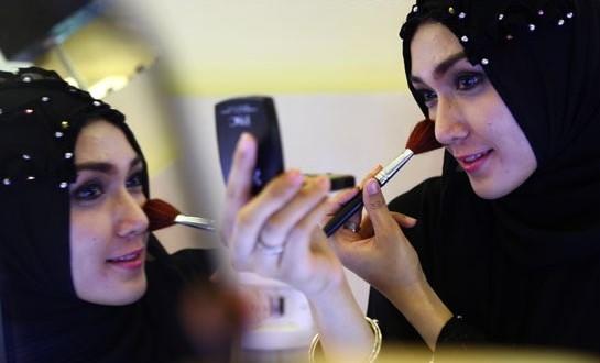 10 Cara Berdandan yang dilarang Bagi perempuan Muslimah