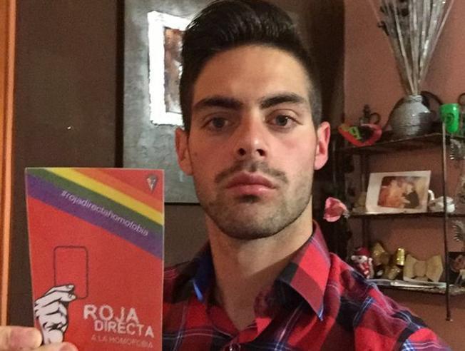 Árbitro que deixou futebol por homofobia diz que 'muitos sairão do armário'