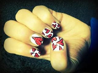 Koichi's hearts nail art