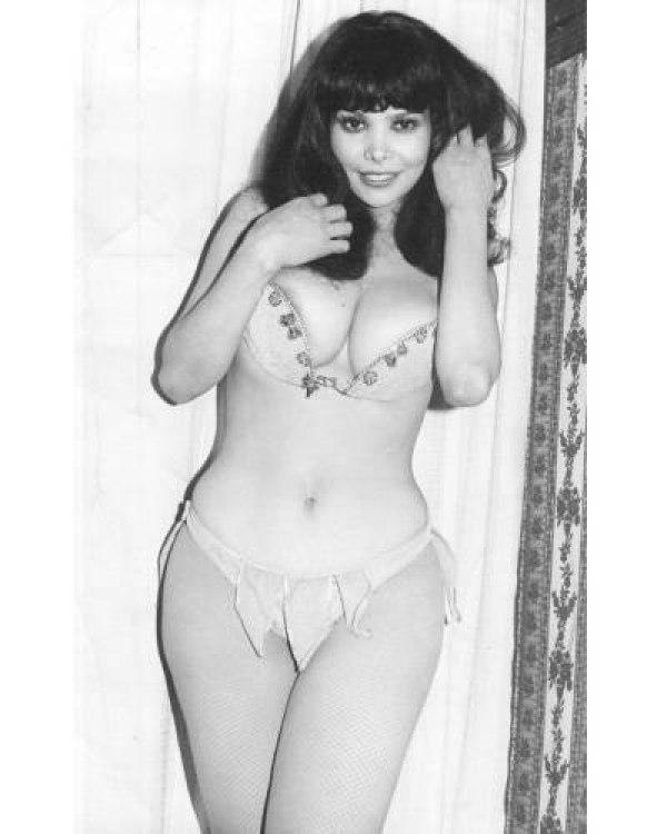 Grace renat 4 hembras y un macho menos 1979 - 2 part 7