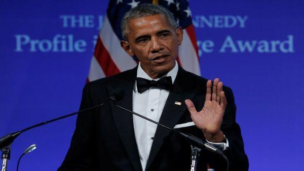 """Obama pide """"coraje político"""" para salvar ley de salud en EE.UU."""