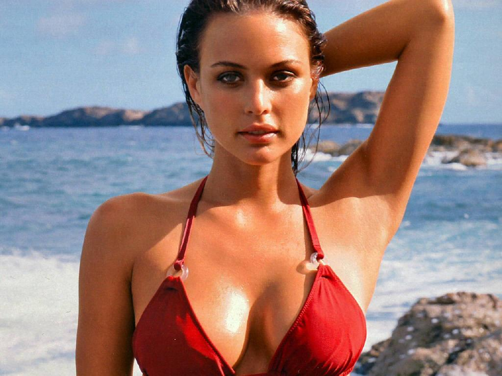 Super Teen Girl Wallpaper Celebrities In Hot Bikini Josie Maran American Model In