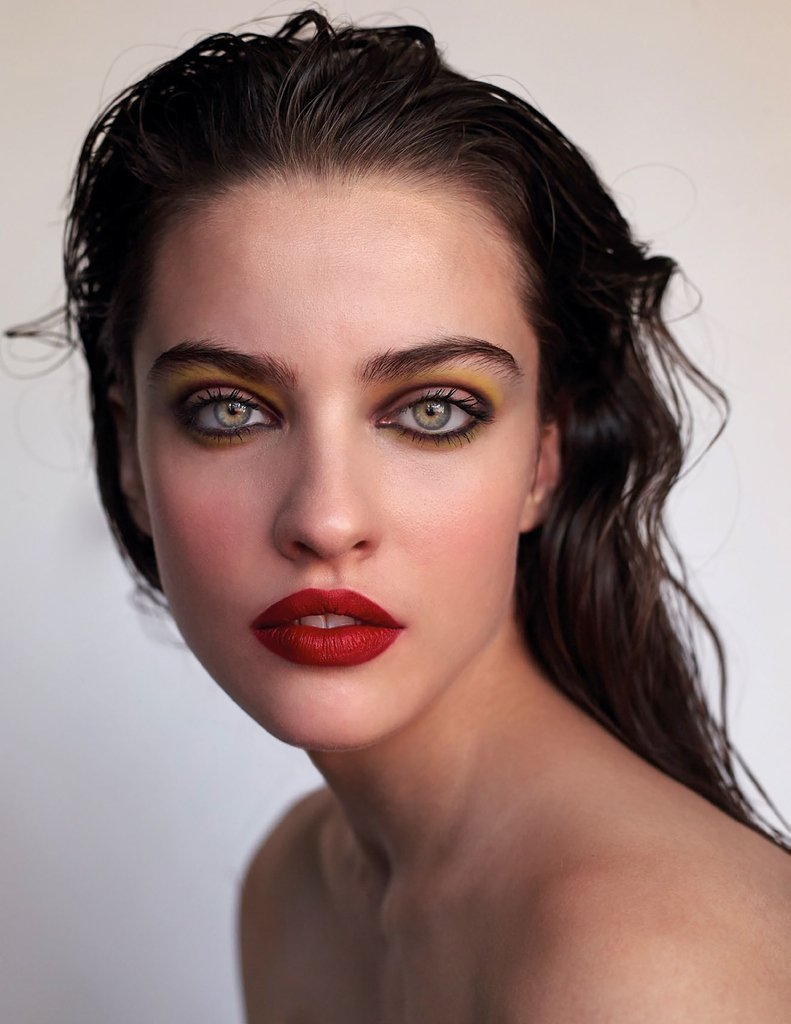 Before applying eyeshadows, make sure to use eye primer. Primer helps to avoid line and creasing in the lids. Keep in mind that models makeup look so ...