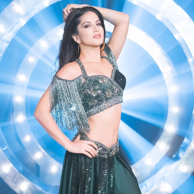 Sunny Leone - Hot Celebrity Photos Download [14]