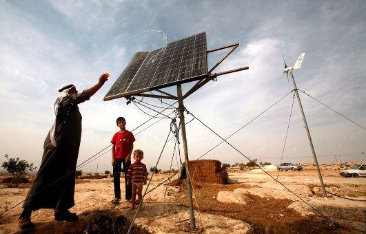 Israel confisca paneles solares donados por Holanda a Palestina