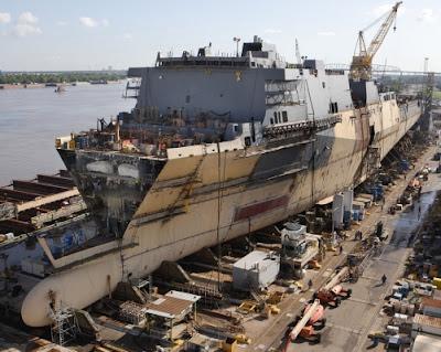 بناء سفينة حربية