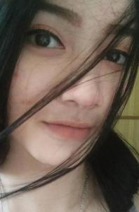 Reza Angelia Kasir Cantik, seksi, paha mulus, indomaret