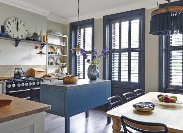 cozinha azul e branco
