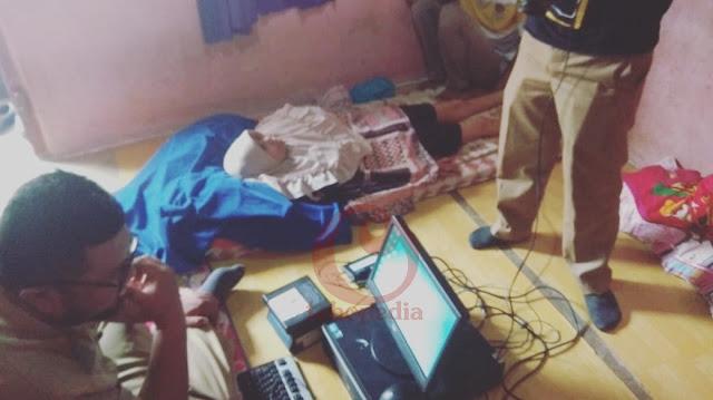 Datangi Rumah Warga Penderit Kanker, Dukcapil Lakukan Perekaman KTP Elektronik