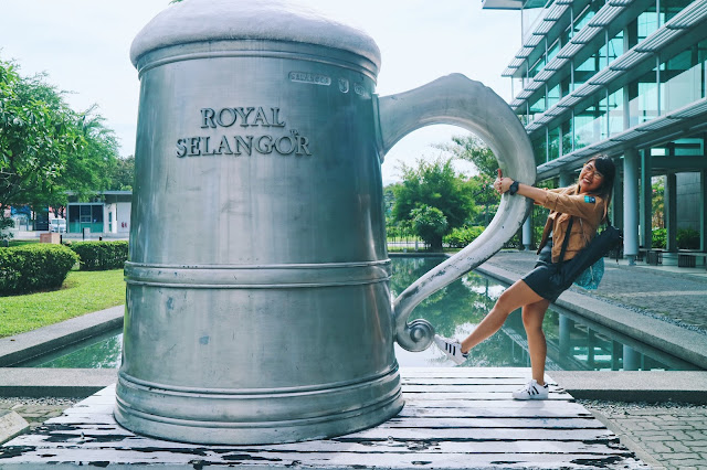 World's biggest pewter tankard - Royak Selangcor