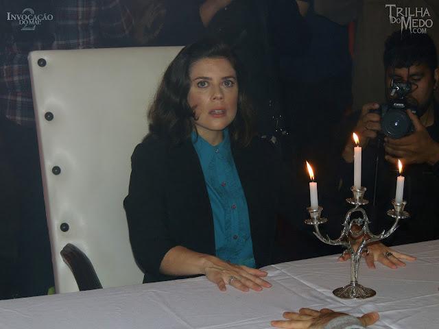Atriz Titzi Marques arrebentando na Pré estreia Invocação do Mal 2 Premiere