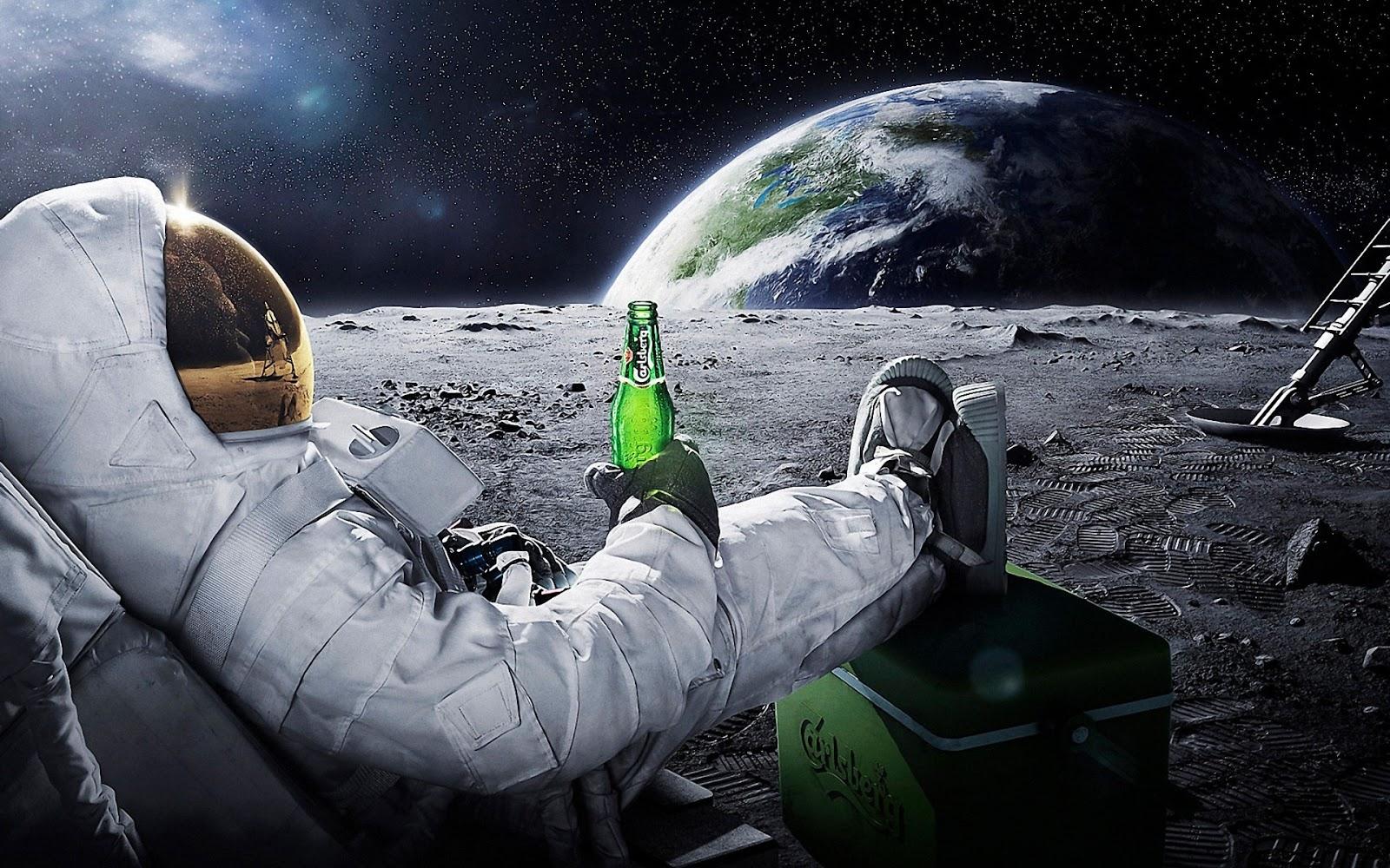 Astronauta de boa na Lua