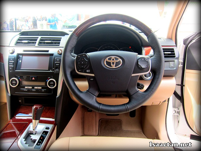 The luxurious cabin of the new Toyota Camry 2012
